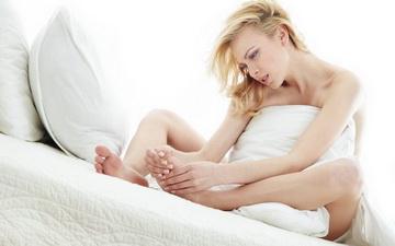 Ранкові судоми ніг: як собі допомогти?