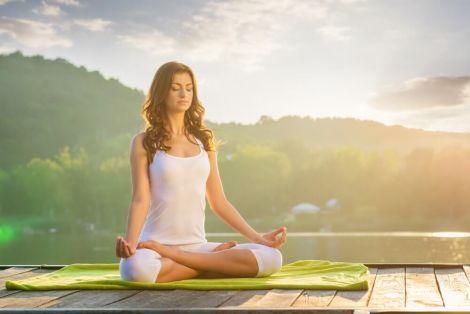 Йога піднімає настрій та покращує емоції