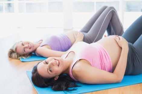 Чи можна займатись йогою під час вагітності?