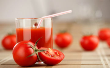 Томатний сік - чудовий вітамінний засіб