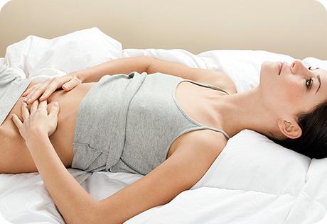 Біль у животі може свідчити про захворювання печінки