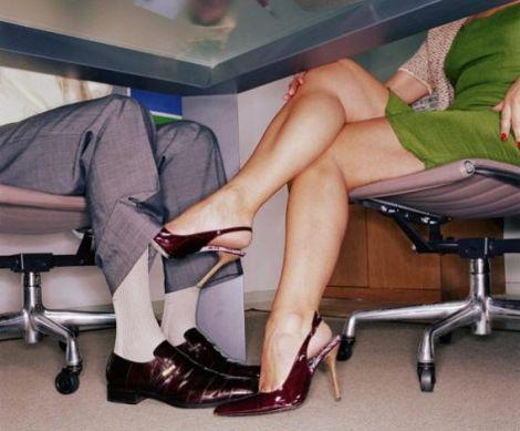 Службовий роман змусить вас краще працювати