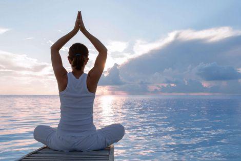 Дві прості пози йоги для краси вашого обличчя