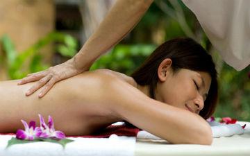 Тайський масаж включає в себе масаж ступень, що можна взяти за ключовий момент