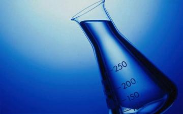 перекис водню знадобиться не  лише у медицині, але й в господарстві
