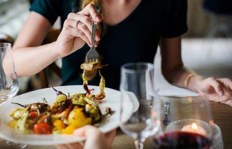 Про що сигналізує організм, якщо вам хочеться жирної їжі?