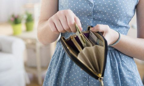 Чому у гаманці небезпечно зберігати чеки?