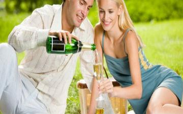чоловіки виявилися романтичнішими за  жінок