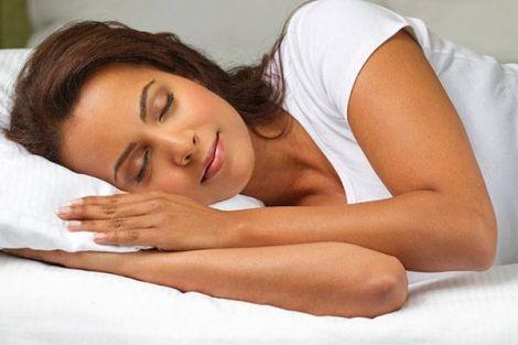 Чому жінкам важливо висипатись?