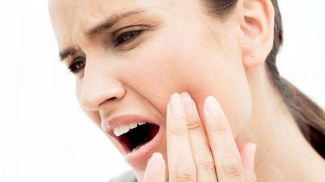 Сильний зубний біль