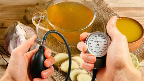 Від високого кров'яного тиску і холестерину: користь простого чаю назвали вчені