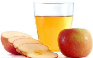 Для очищення нирок три дні пий свіжий яблучний сік