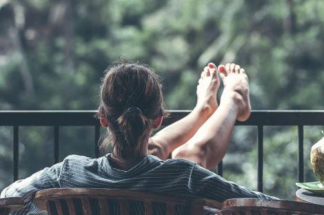 П'ять простих порад, які допоможуть врятувати ваші ноги від набряків влітку