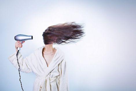 Простий рецепт ефективного засобу від випадіння волосся