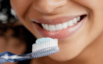 якщо не чистити зуби протягом тривалого часу, то це не справить суттєвого враження на їх здоров'я