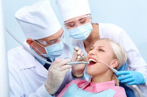 Посещайте стоматолога не реже двух раз в год
