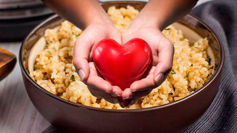 Від холестерину, для кишечника і серця: названа проста, але корисна каша на сніданок