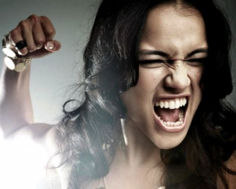 Жіноча поведінка: чоловікам це гидко