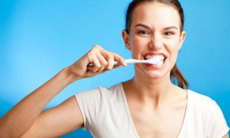 Не чистіть зуби після їжі