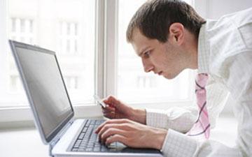 сидіти за комп'ютером правильно слід навчитись відразу