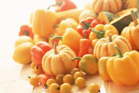 Наприклад, морква містить вітаміни групи В, вітаміни PP, К, а також комплекс мікроелементів.