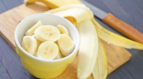 Коли шкідливо їсти банани?