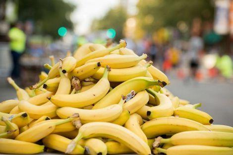 Вживати багато бананів не варто