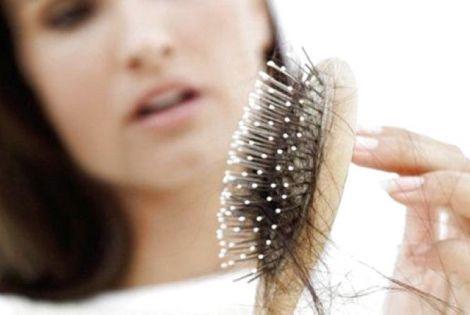 Як зупинити випадіння волосся?