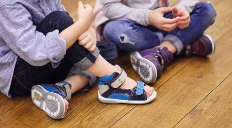 Обираємо взуття для дитини