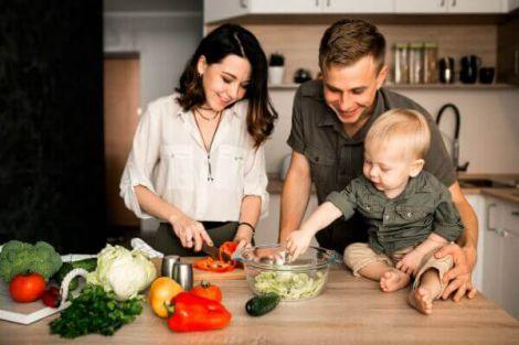 Як сформувати правильні харчові звички у дитини?