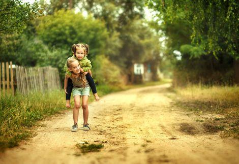 Переваги життя у сільській місцевості для дітей