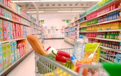 Медики назвали продукти заборонені під час вагітності