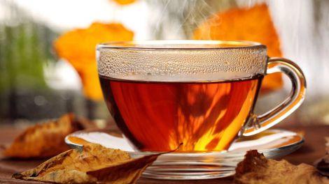 Про небезпеку гарячого чаю розповіла лікар