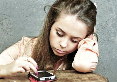 Смартфони роблять людей нещасними