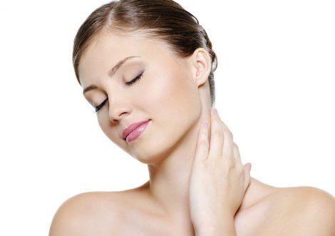 Шкіра шиї потребує ретельного догляду