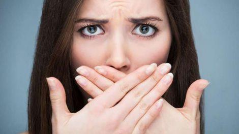Металевий присмак у роті: основні причини