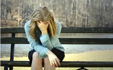 при перших ознаках депресії треба починати з нею боротись