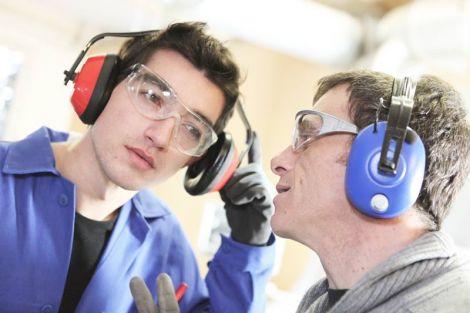Шум на робочому місці негативно впливає на здоров'я