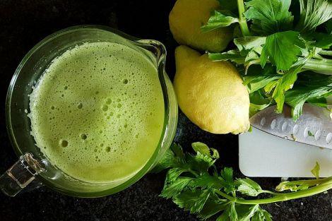 Дієтологи назвали овочевий сік, який допомагає боротися зі старістю