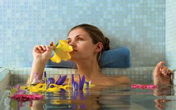 Спеціальні добавки до ванни зроблять позитивний вплив на твою шкіру