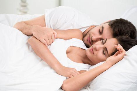 Секс допомагає засинати швидше
