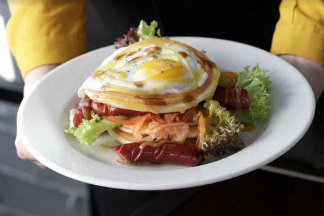 Чому шкідливо снідати пізно на вихідних?