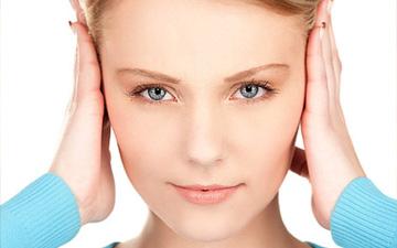 біль у вухах може виникати і при застудних захворюваннях