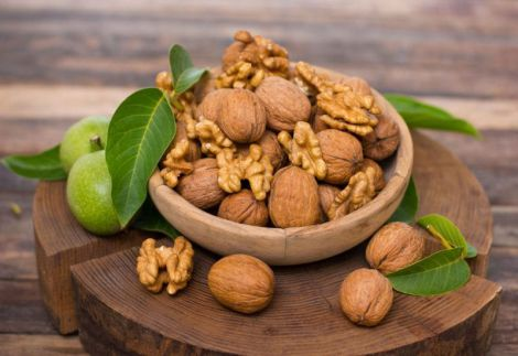Грецькі горіхи для профілактики раку грудей