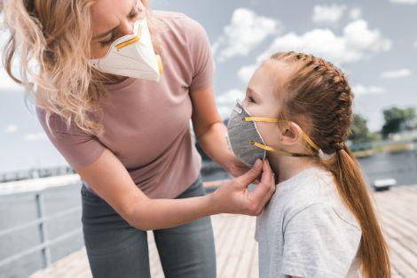Чи знижують маски швидкість поширення коронавірусу?