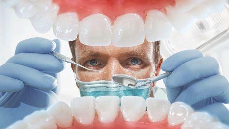 Медичні маски змушують слідкувати за гігієною рота