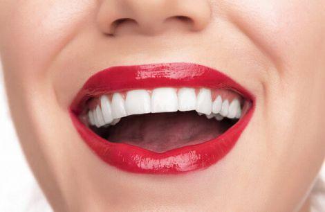 П'ять можливих причин того, що зуби втратили колишню білизну