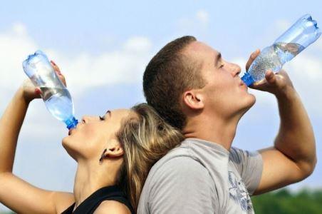 Пити чи не пити? В чому шкода фільтрованої води