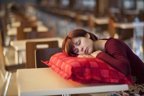 Як впливає на людину нестача сну?