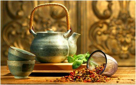 Чому корисно пити трав'яні чаї?